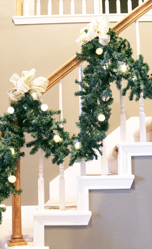garland with bows