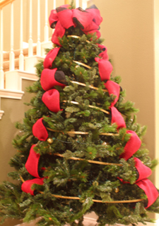 Use several different ribbon garlands on your Christmas tree for a designer look